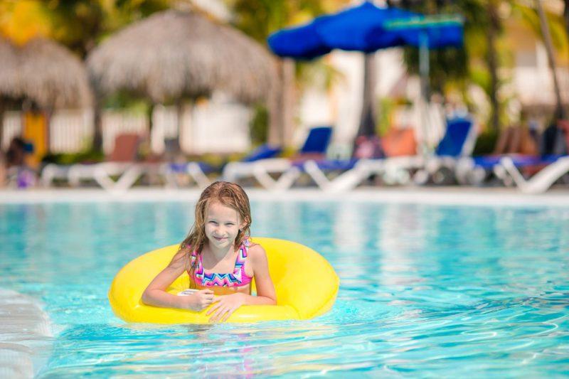 Jak wybrać idealny hotel na wypoczynek z dziećmi?